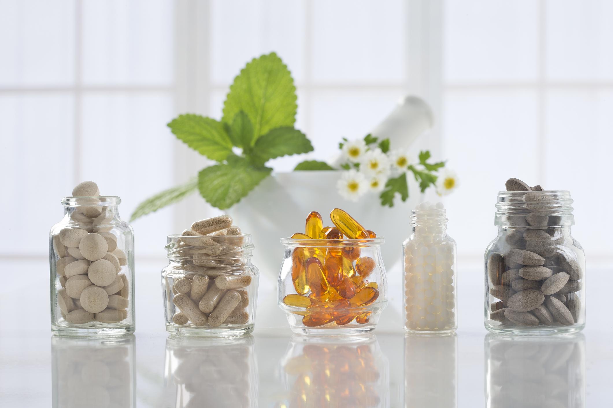 Os multivitamínicos são suplementos que reúnem vitaminas e minerais com funções extremamente importantes a diferentes necessidades.