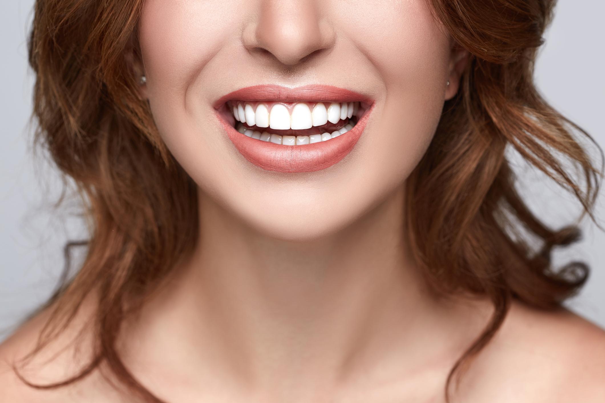 O bruxismo é caracterizado por um ranger excessivo dos dentes, principalmente ao dormir, como um ato involuntário.