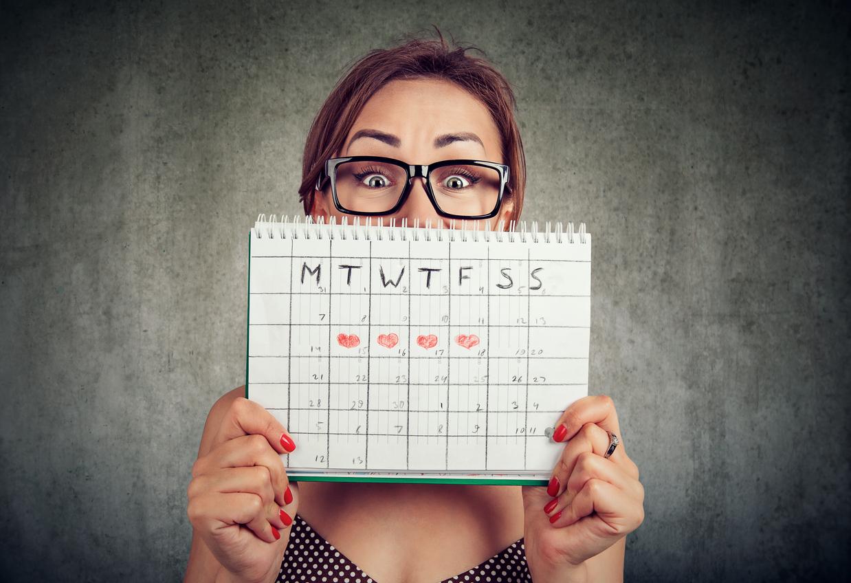 Cada organismo feminino atua de uma maneira diferente quando se trata de menstruação. Mas não importa a intensidade, pelo menos uma mulher já menstruou no verão.
